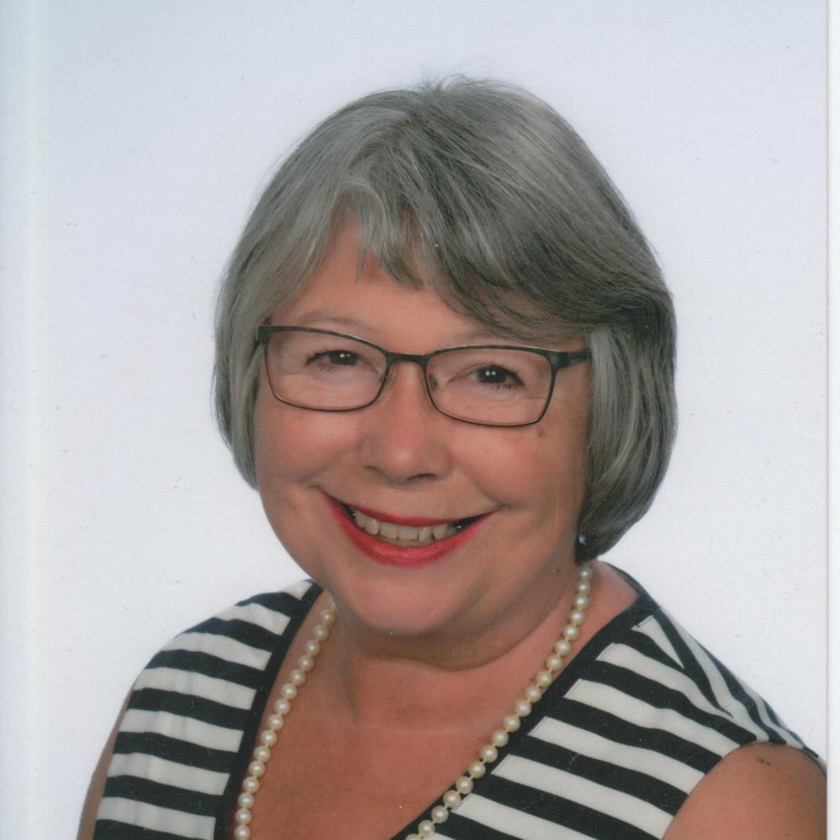 Elisabeth Artner-Peil